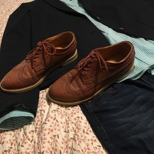 BDG Wing Tips Brown Embroidered Shoes